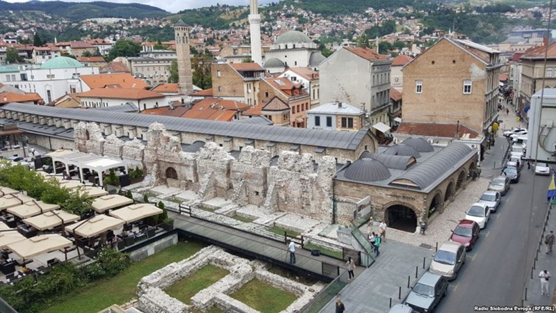 Ostaci Tašlihana  (https://www.slobodnaevropa.org/a/taslihan-spomenik-sarajevo/28646722.html)