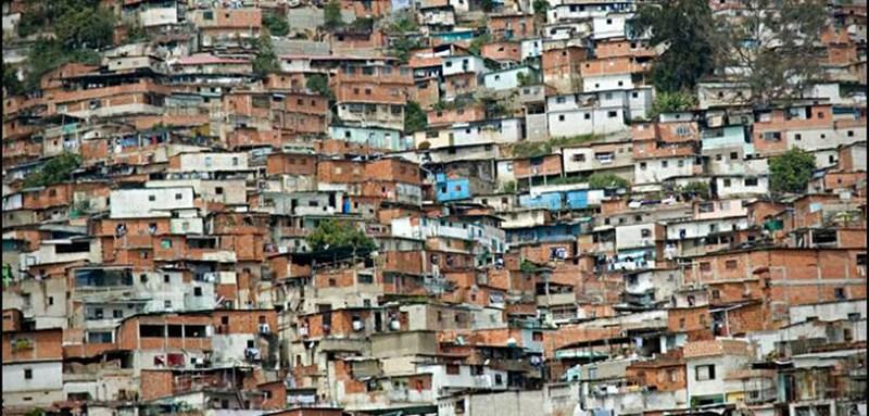 Slamovi u Caracasu ©http://www.taxitocaracas.com/Barrios.html