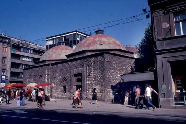 Gazi Husrev-begov hamam prije zadnje arhitektonske intervencije  (https://twitter.com/nermintulic/status/727883417904414721)