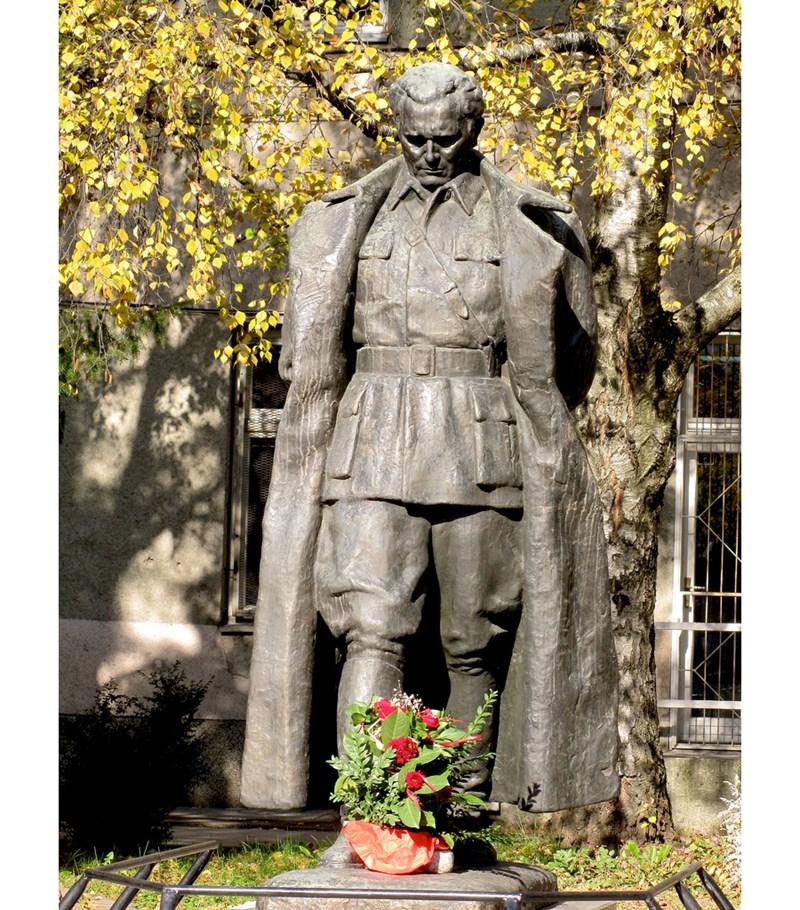 Skulptura Maršal Tito_Antun Augustinčić (https://hiveminer.com )