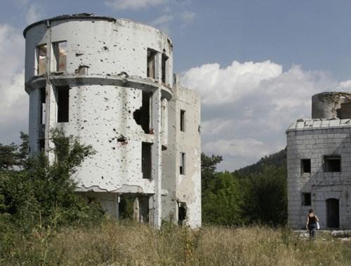 Uništeni obzervatorij na Trebeviću ©Zoran Kanlić (2012.)