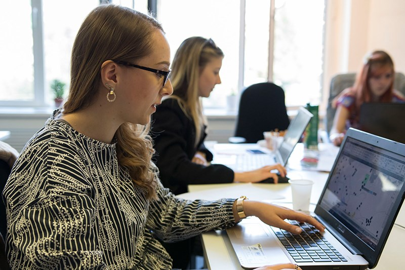 Učesnici rade na grafickom predstavljanju © Lift