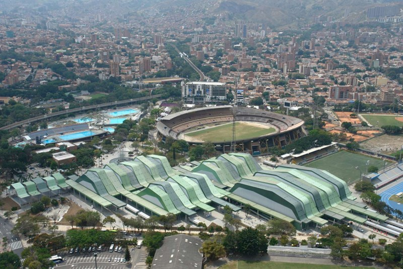 Sportski centar  http://www.ecofriend.com/entry/architectural-wonder-the- medellin-sports-coliseum/