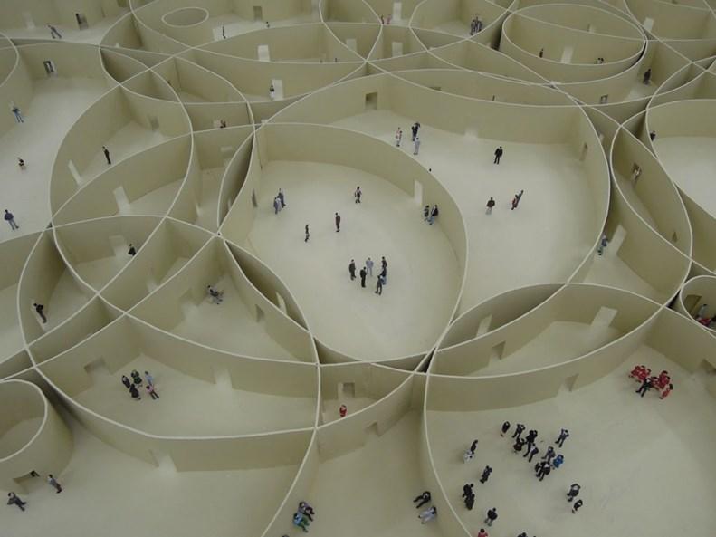 Pezo von Ellrichshausen: Infinite motive – izložba u Češkoj, koja istražuje odnos enterijera i eksterijera Izvor: http://www.bmiaa.com/pezo-von-ellrichshausens-finite-format-at-house-of-art-of-ceske-budejovice