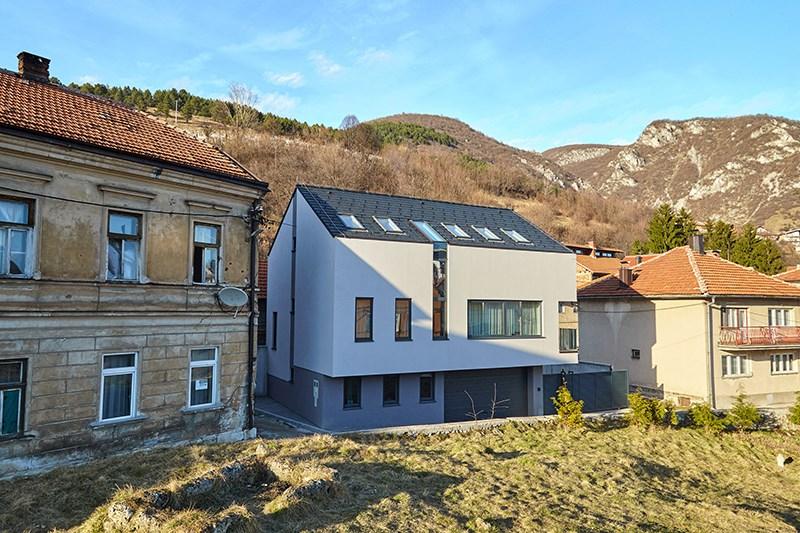 iKuća, Travnik